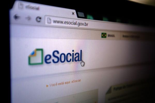 Alteração deve ser feita no portal do Esocial (Crédito: Marcello Casal Jr.)