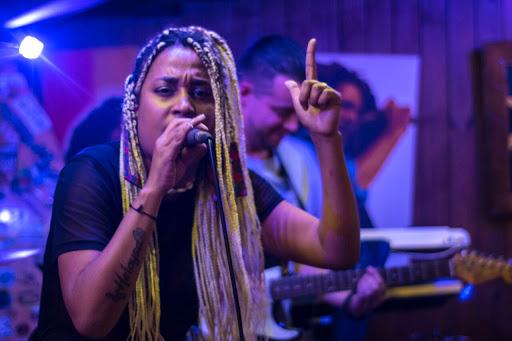 A cantora Sistah Mari é uma das atrações do evento (Crédito: Universo ZN)