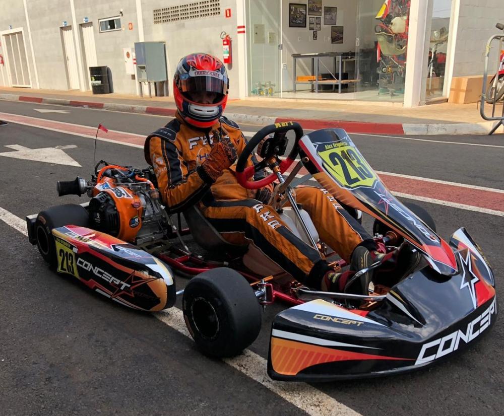 Alex estreia seu novo chassi, Concept Kart (Crédito: divulgação)