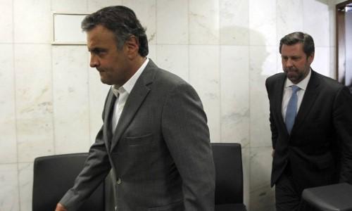 Aécio Neves, no PSDB, é o chefe do deputado federal Carlão Sampaio (Crédito: O Globo)