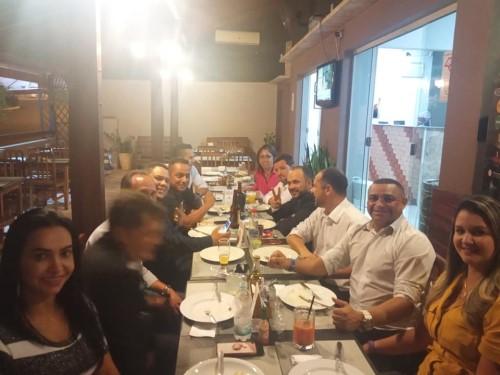 Loira e Sargento Camargo não foram ao regabofe de Cazellato com os vereadores (Crédito: redes sociais)