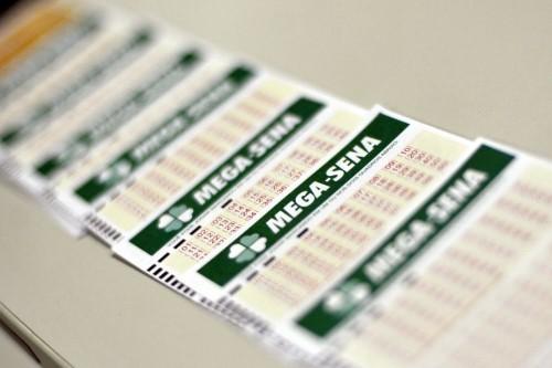 Jogos podem ser realizados em lotéricas credenciadas pela Caixa (Crédito: Agência Brasil)