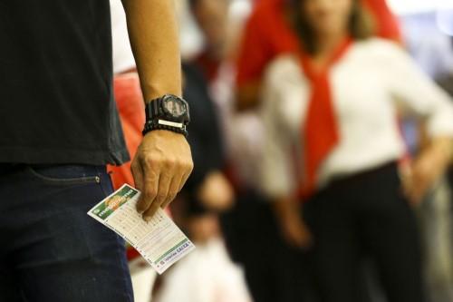 Apostas podem ser feitas em qualquer lotérica credenciada pela Caixa (Crédito: Marcelo Camargo)